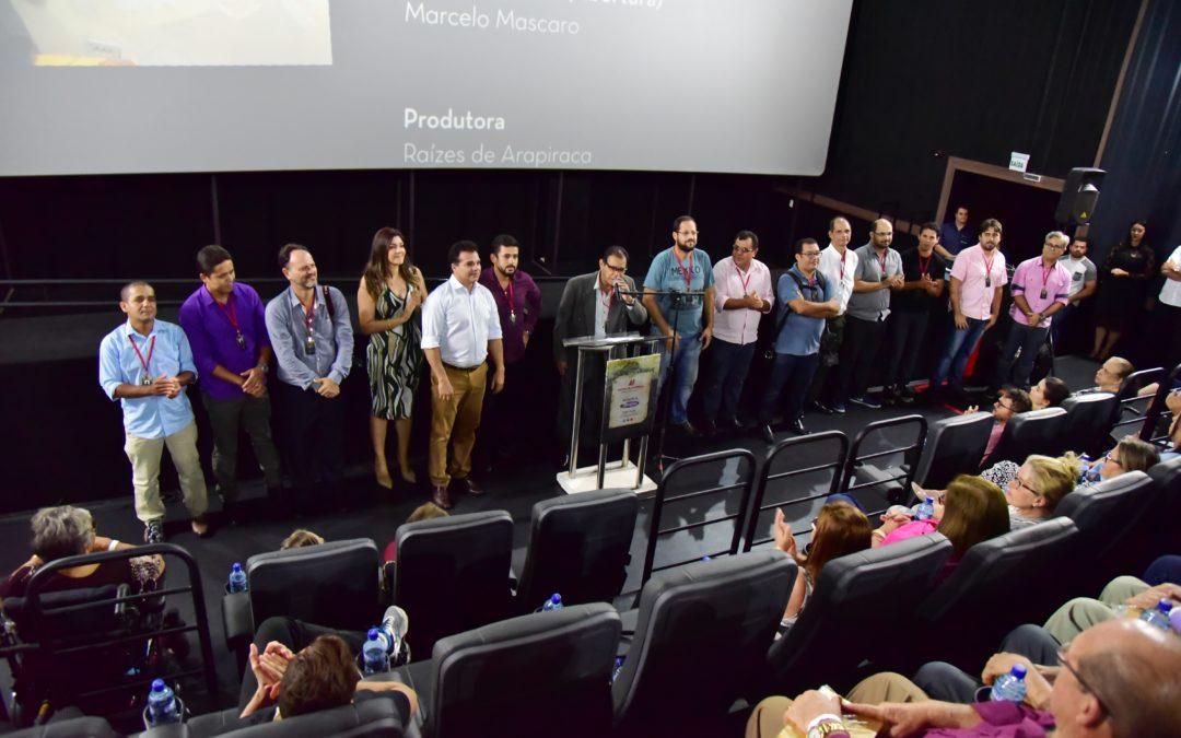 "[Vídeo] ""Raízes de Arapiraca"" emociona homenageados e convidados"