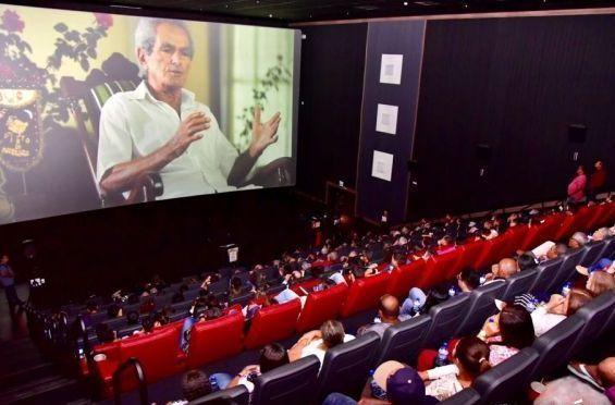 Documentário Raízes de Arapiraca reúne mais 200 pessoas em sessão de cinema